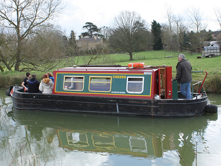 Day boat hire on the Kennet and Avon canal