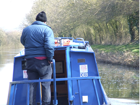 How to steer a canal boat