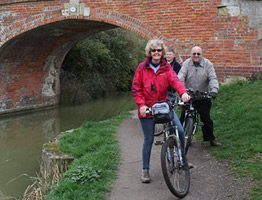 Biking on the Kennet and Avon Canal