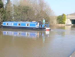 Turning a canal boat around