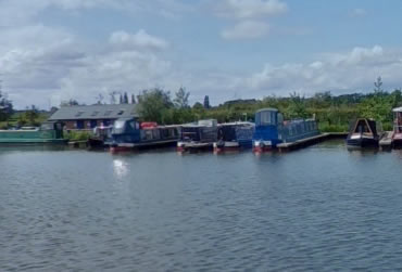 Kings Orchard Marina. A UK Canal Boating Location