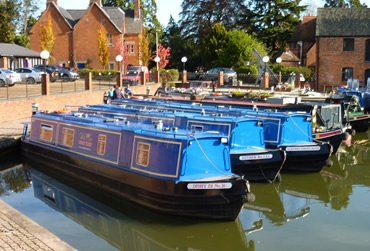 Union Wharf Marina. A UK Canal Boating Location