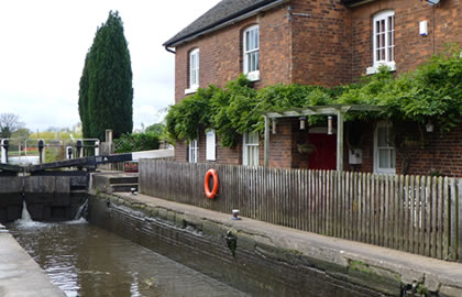 Caldon-Canal-and-Froghall-basin-from-Stone-